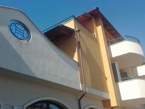 Edificio-residenziale-e-commerciale---SS16-SBT-1