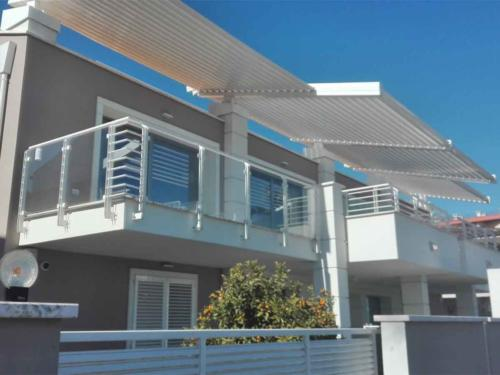 Villa-bifamiliare---lungomare-grt-1